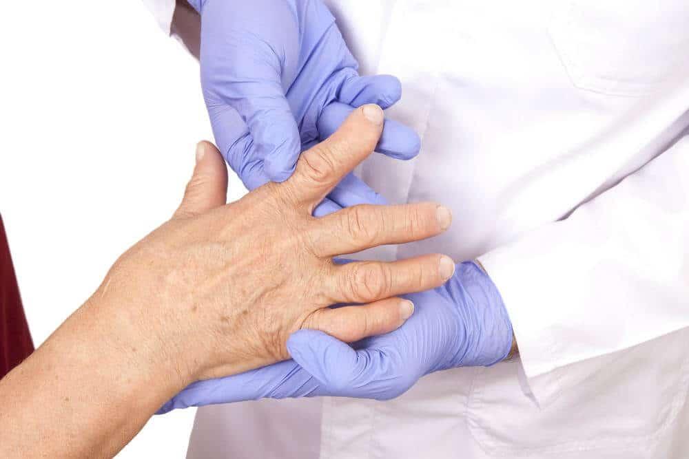 cum se tratează artrita articulară la vârstnici